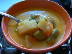 Супа с картофи и зелен фасул