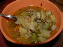 Супа с картофи, тиквички и къри
