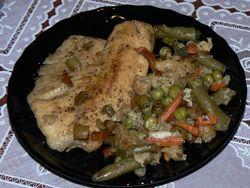 Печено филе от риба тилапия със зеленчуци