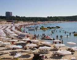 Платени чадъри по морето